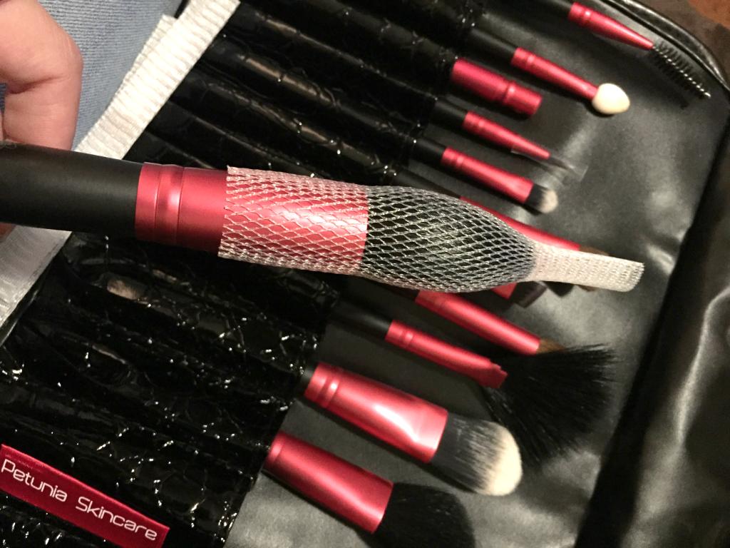 Petunia Skincare Makeup Brush Set