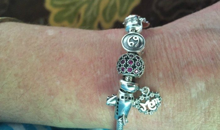 SouFeel Charm Bracelet Close Up