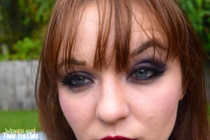 It Cosmetics Review - Naturally Pretty Romantics Palette - How to do a smokey eye