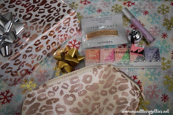 Pretty Sephora Holiday Gifts #Beauty #GiftsForHer #StockingStuffers