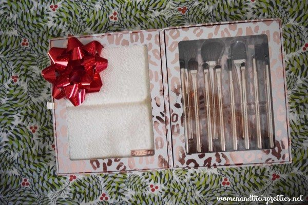 Sephora Brushes Holiday Gift Set #Beauty #GiftsForHer #StockingStuffers