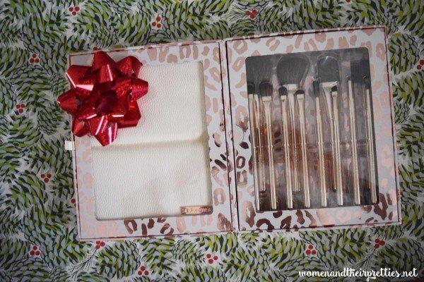 Sephora Brushes Holiday Gift Set #Beauty #GiftsForHer #StockingStuffers