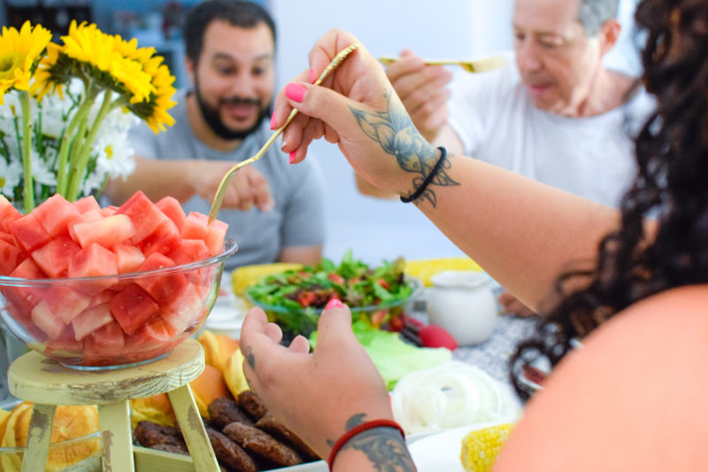 How to throw a produce potluck party this summer
