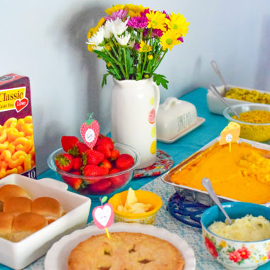How to throw a Last-Minute Comfort Food Party (Free Printables)