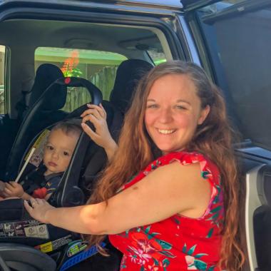 With temperatures rising, it's vital that we take advantage of any tips to keep children cool in the car. This will prevent serious and fatal injuries to our little ones.