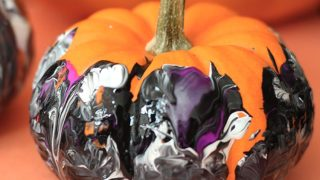 Shake It Up! No Mess Pumpkin Painting for Kids