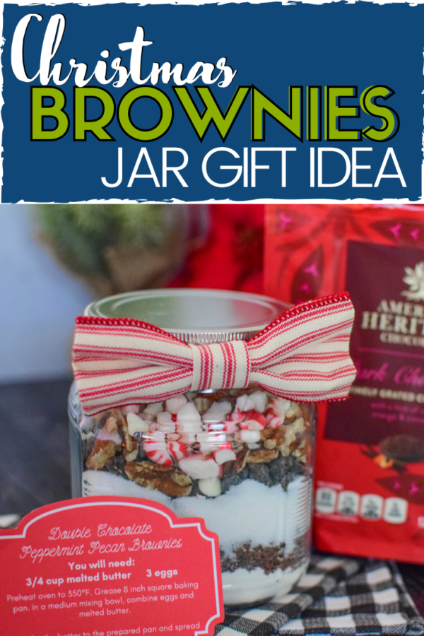 These delicious christmas brownies are a great gift idea!