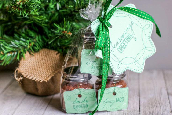 2. DIY Seasonings Gift In a Jar: Seasonings Greetings!