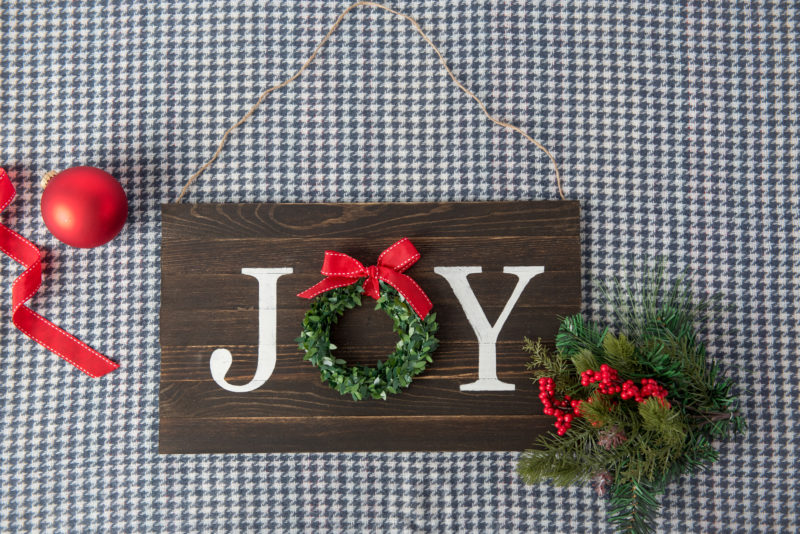 DIY Painted Joy Sign Wood