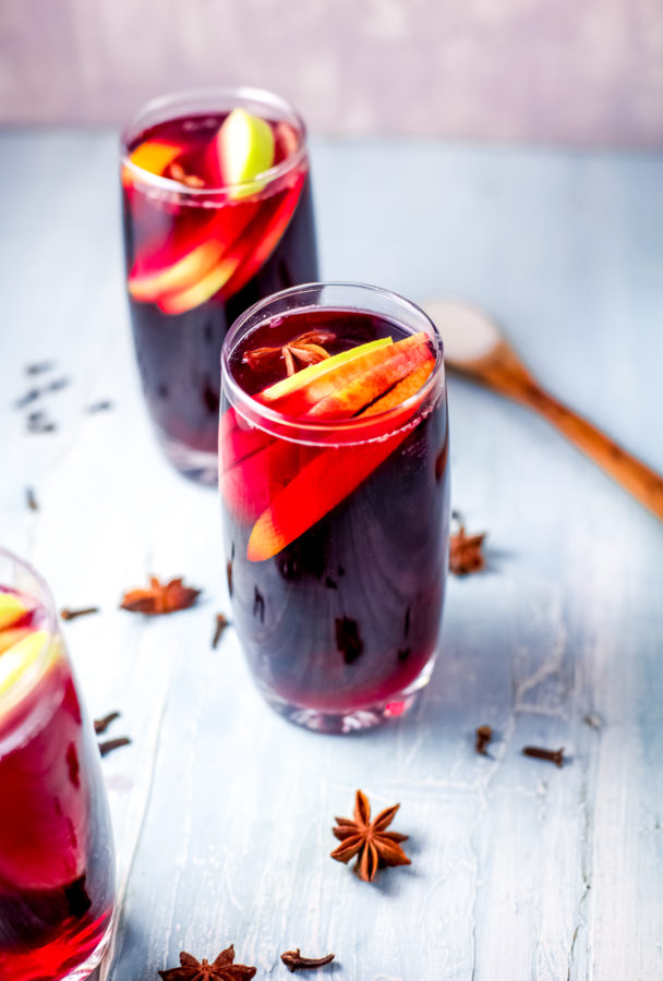 how to make holiday sangria
