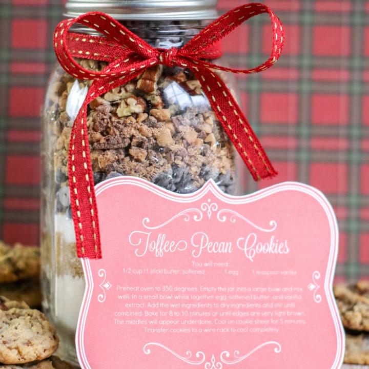 Toffee Pecan Cookies in a Jar