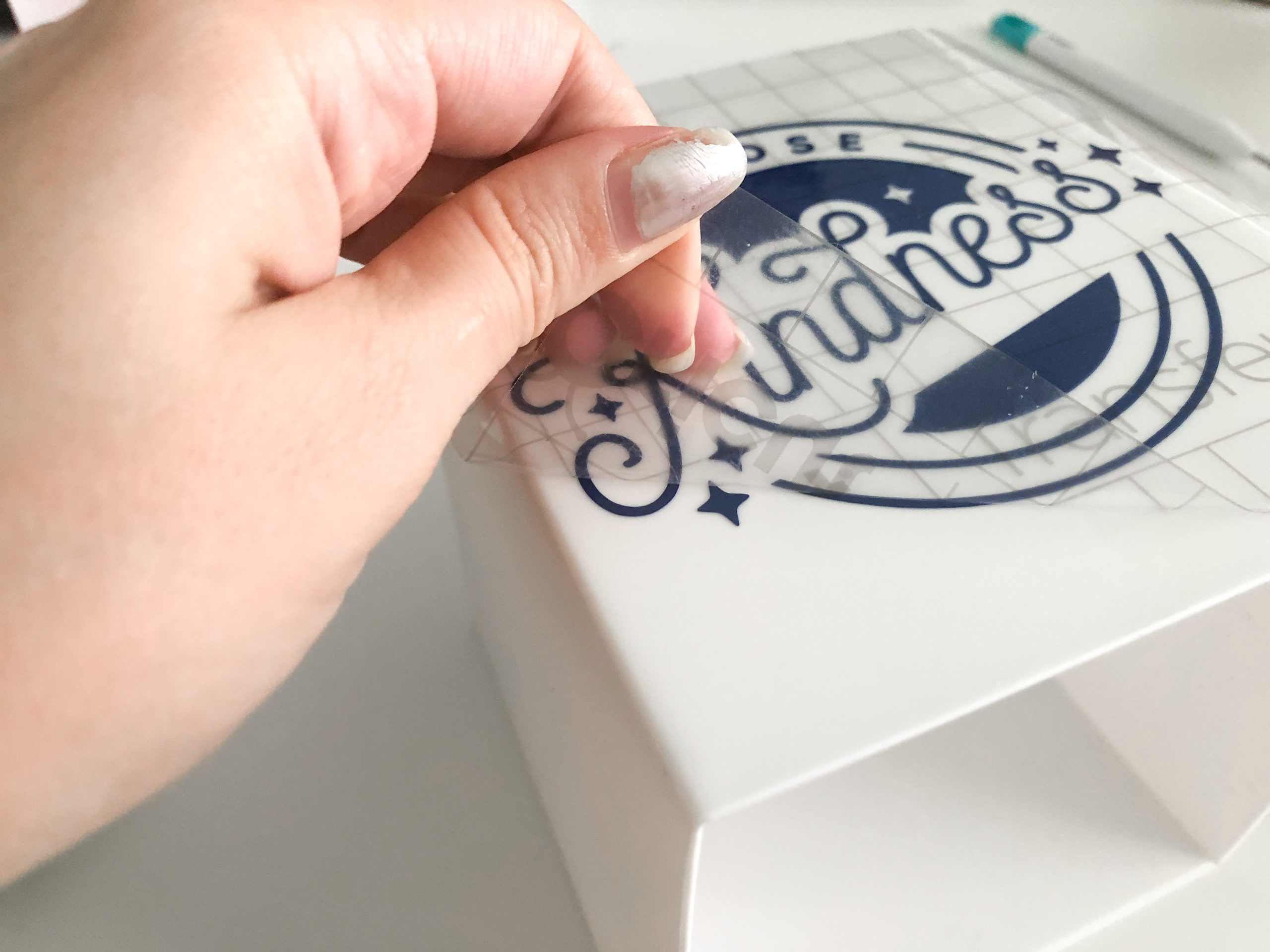 How to Make Teacher Gifts with Cricut