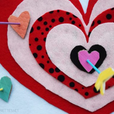 Cupid's Shot At Love DIY Valentine's Day Game – An Easy Valentine's Day Craft #ValentinesDay #DIY