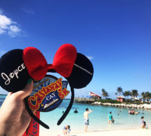 I ran my first 5k – on Disney's Private Island! My Castaway Cay 5k experience & why you should run (or walk) this 5k too! #DisneySMMC #DisneyRun