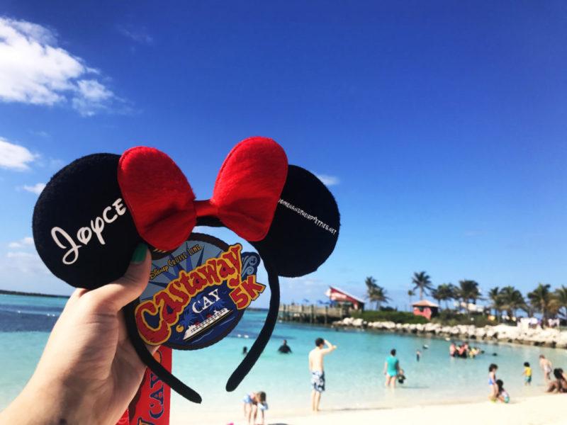 I ran my first 5k – on Disney's Private Island! My Castaway Cay 5k experience & why you should run (or walk) this 5k too! #DisneySMMC #DisneyRun