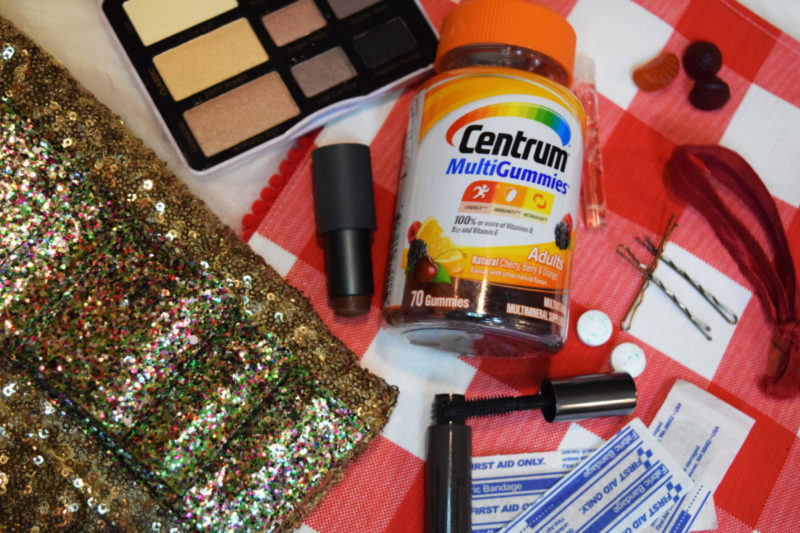 A DIY Survival Kit for Last Minute Events – Plus a free Survival Kit Checklist (for ladies on-the-go)