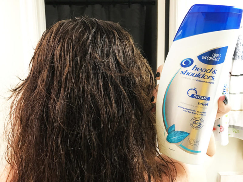 How to get the perfect holiday curls: An easy curls tutorial that doesn't require irons or curlers #ShampooSecret