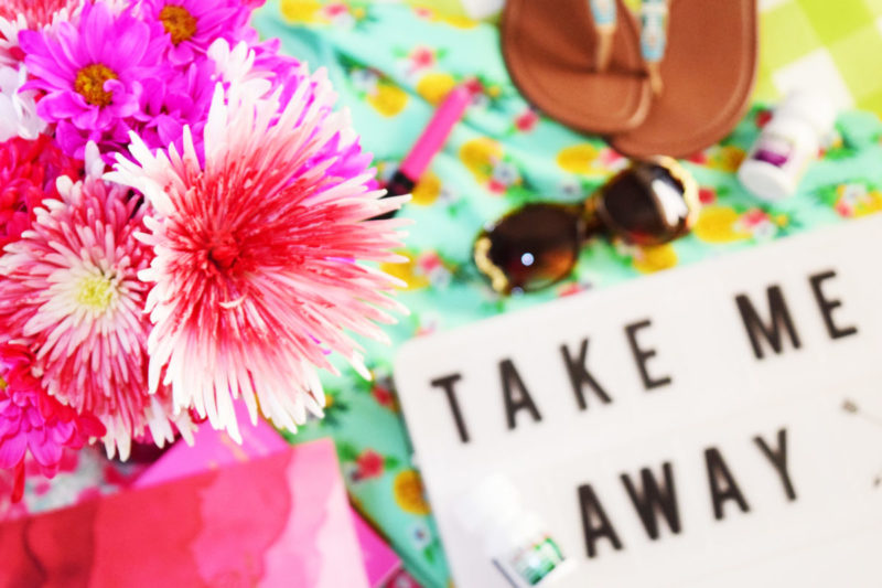 How to cruise comfortably and confidently: A girl's packing guide & FREE ombré cruise checklist