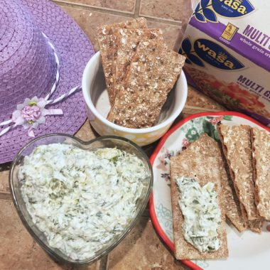 The easiest Spinach Artichoke Dip you'll ever make (with a wholesome & delicious pairing) #BarillaPlus